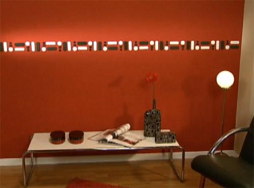 Pared pintada de rojo con guarda